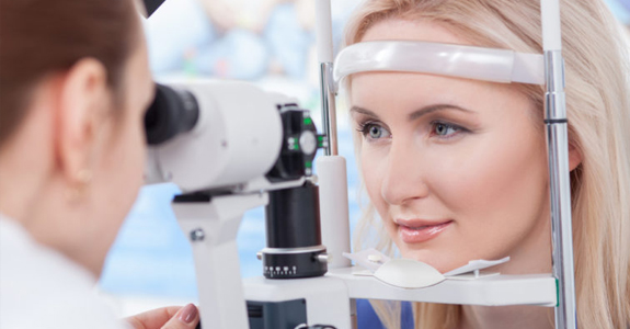 Eye Examination in Brampton